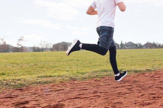legs-running-on-track